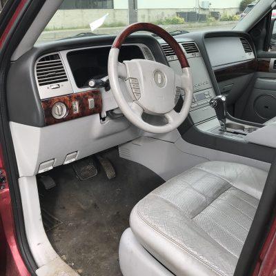 2005 Lincoln Navigator 3